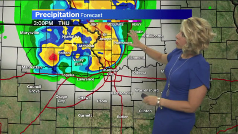 Several rounds of strong to severe thunderstorms rolling toward Kansas City area