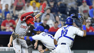 Royals lose 5-1 to Reds after 8-inning outing by Ian Kennedy