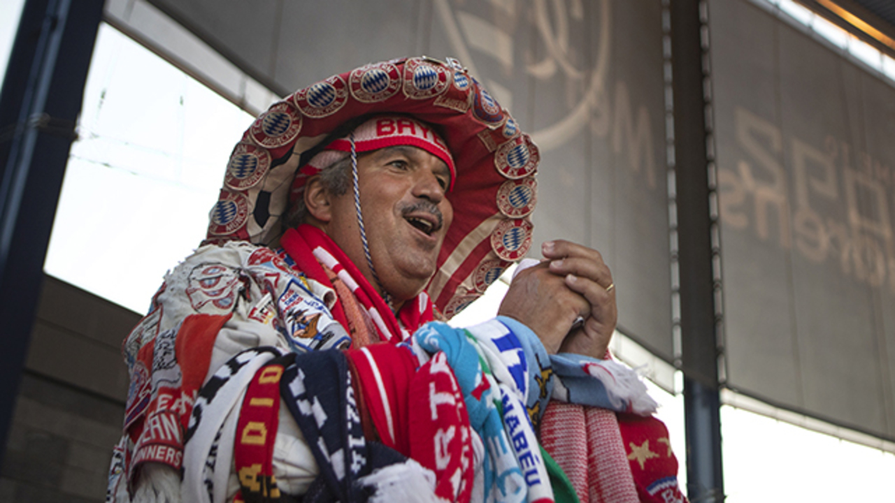 Bayern Munich superfan Michael Zeman, on fairytale trip, visits KC to watch team