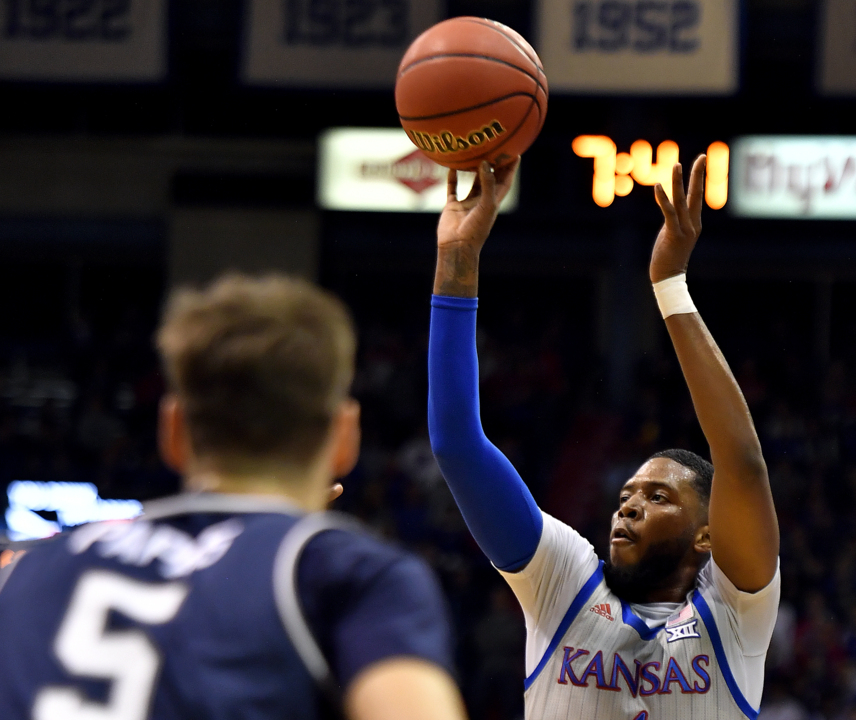 Healthy Moss drops 21 points in KU's 112-57 win over Monmouth