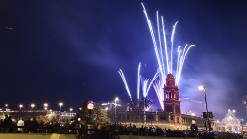 Watch the Thanksgiving Plaza lighting ceremony and fireworks show
