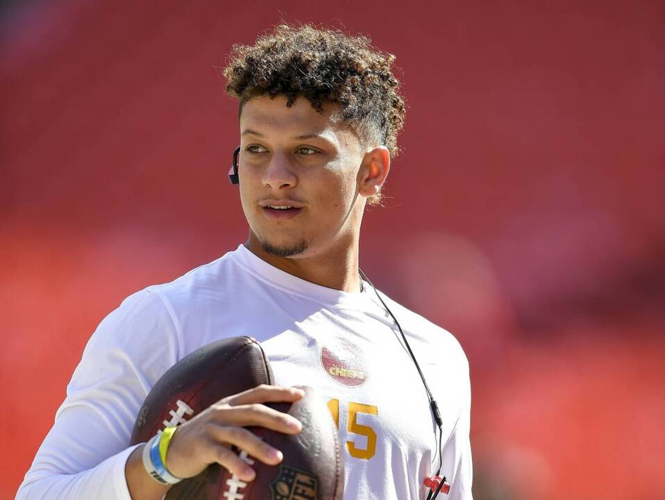 Kc Chiefs Rookie Qb Patrick Mahomes Learning From The Sidelines The Kansas City Star