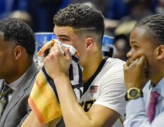 Emotional Mizzou basketball players head to locker room after loss to Florida State
