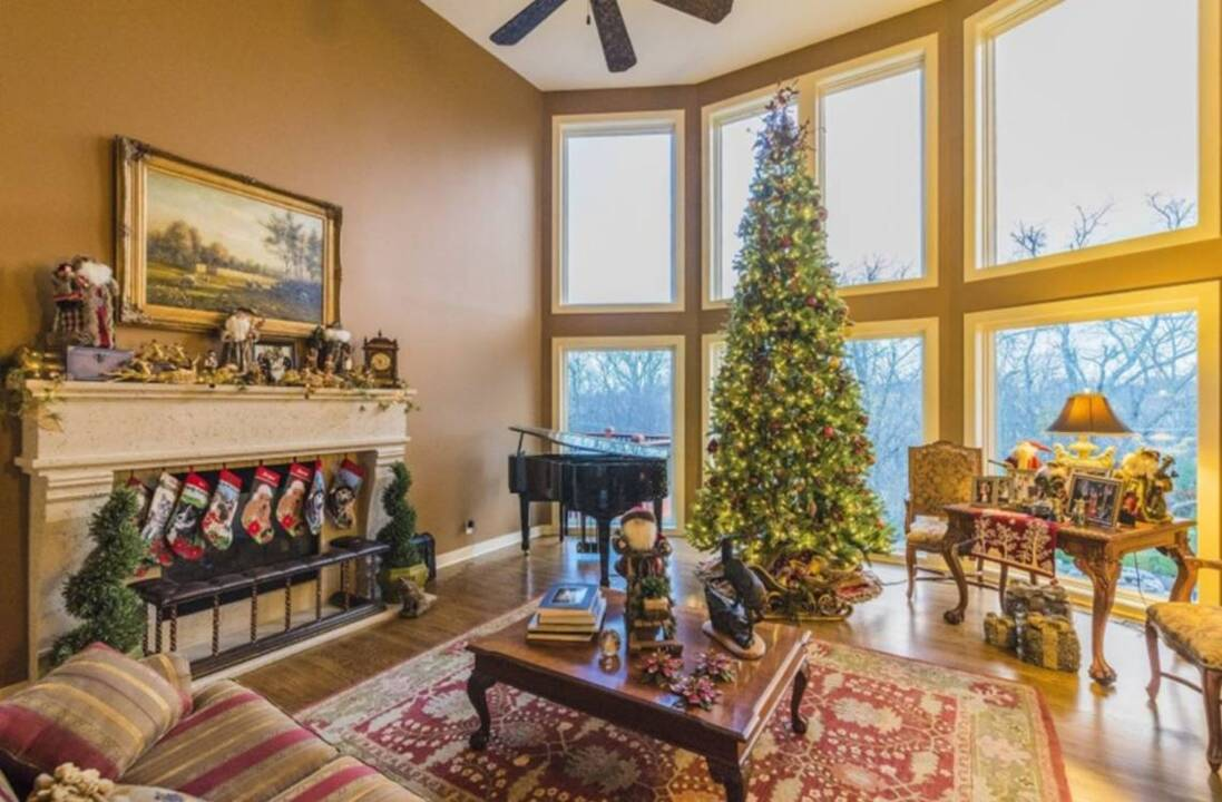Christmas home decor done by pros in Kansas City
