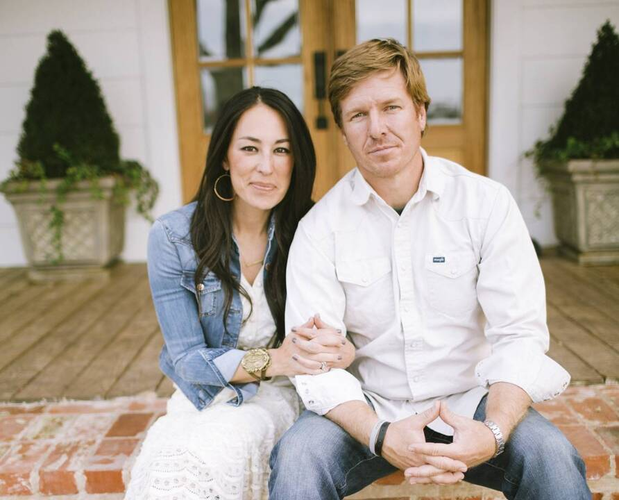 39 fixer upper 39 is ending on hgtv chip and joanna gaines announce the kansas city star. Black Bedroom Furniture Sets. Home Design Ideas