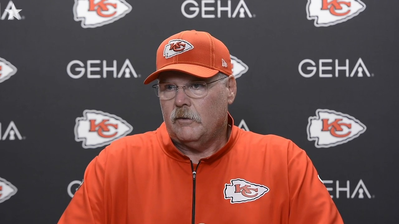 Fine Chiefs Head Coach Andy Reid After The Win Against The Bralicious Painted Fabric Chair Ideas Braliciousco