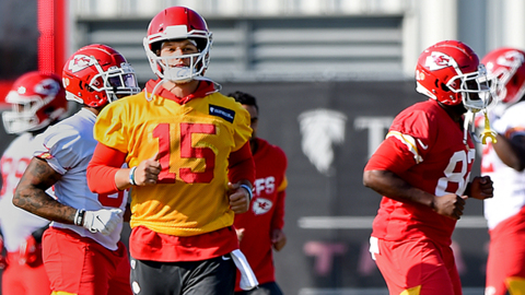 All systems go? Mahomes practices fully with Chiefs, setting up possible Sunday return