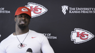 'Just imagine your leg randomly going numb' ... Chiefs' Dee Ford describes injury