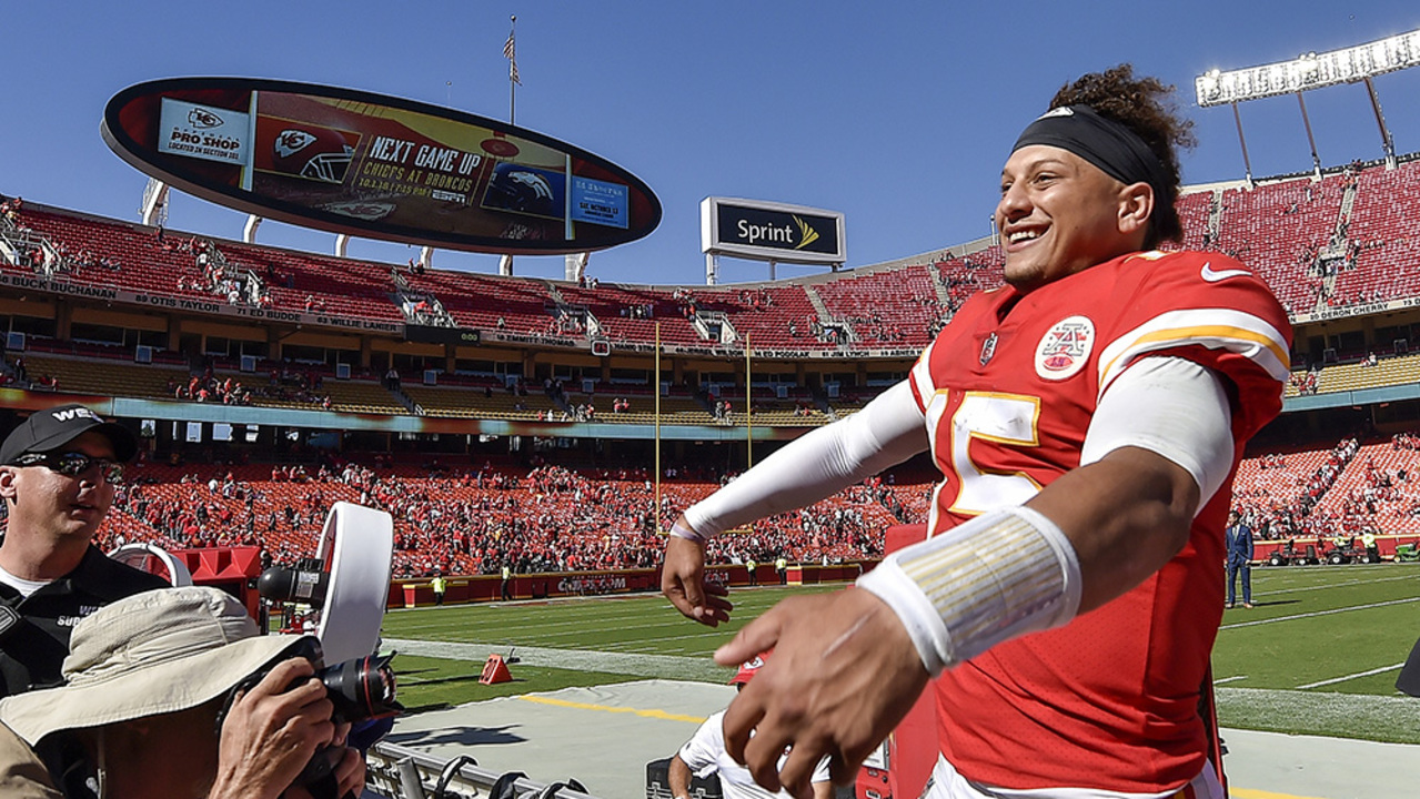 kc chiefs biggest priority keep patrick mahomes healthy the kansas city star. Black Bedroom Furniture Sets. Home Design Ideas