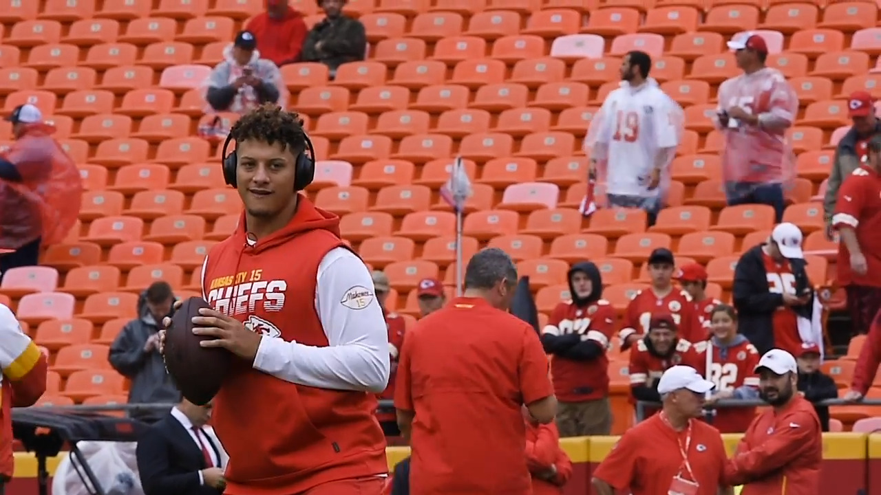 Fox announcer who will call Chiefs-Lions game says Patrick Mahomes is a 'rock star'