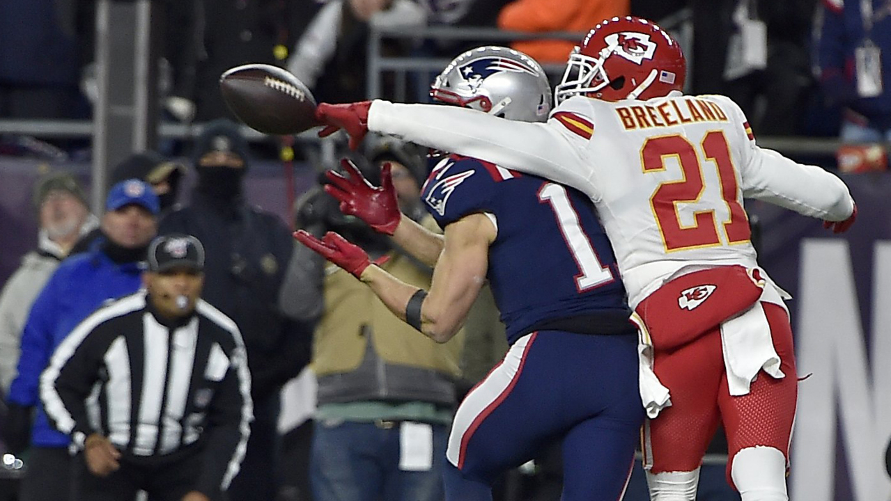 Players in Chiefs' secondary bait good quarterbacks. They seem to know what's coming