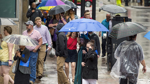 Severe thunderstorms bring collisions, flooding and outages to the Kansas City region