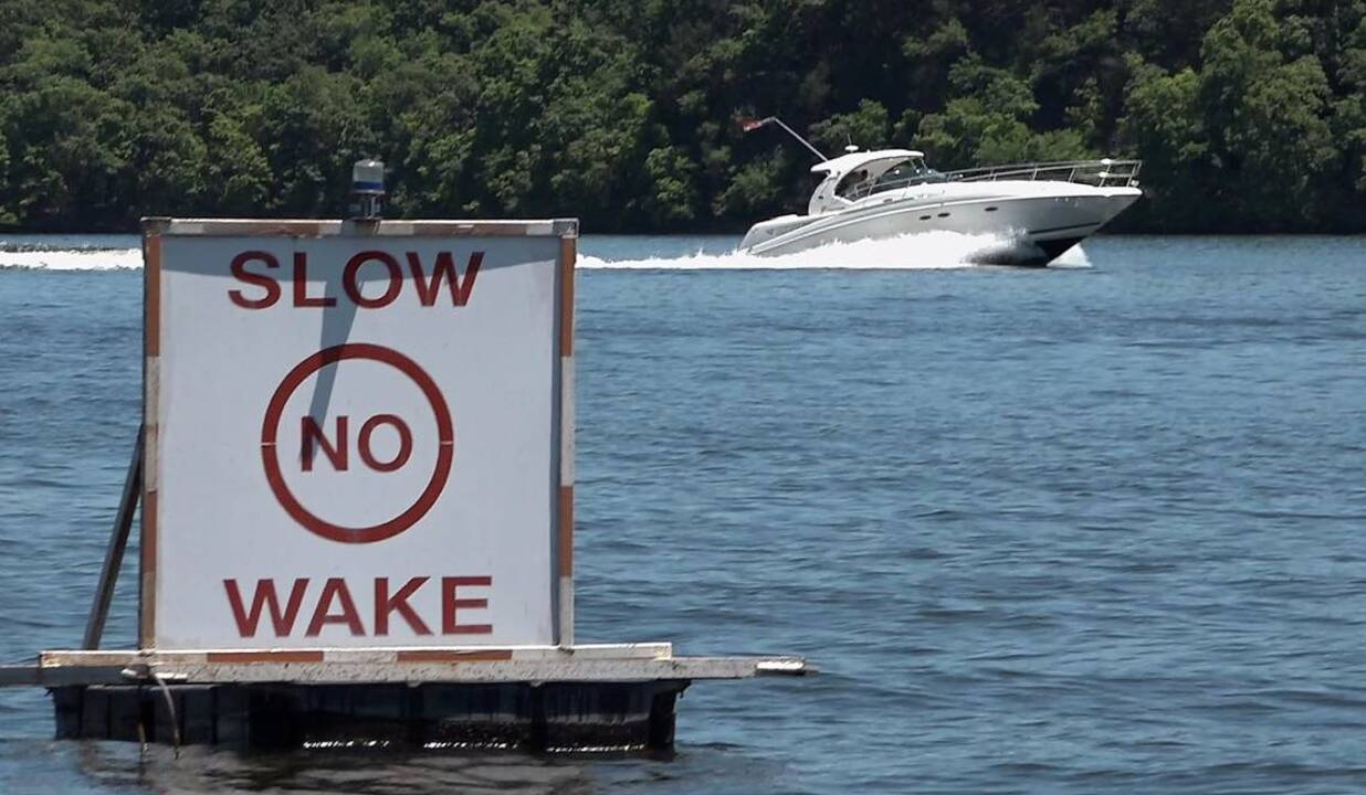 Bigger boats, bigger wakes breed conflict on Lake of the