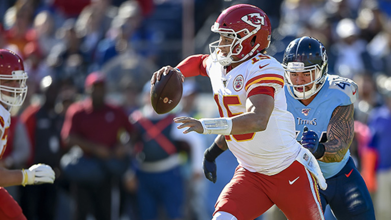 How's the knee? Chiefs quarterback Patrick Mahomes looks like himself in return