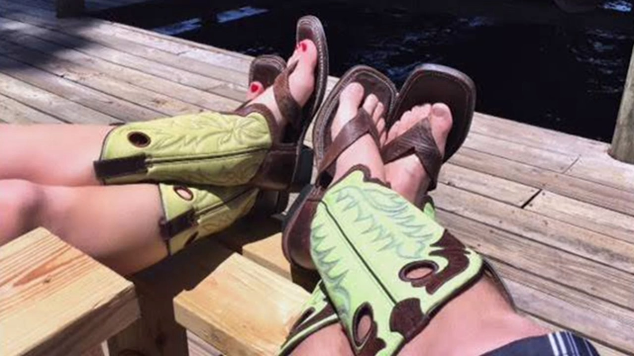 newest 416fb b1dd6 Redneck Boot Sandals: Cowboy boot on top, flip-flop on the ...