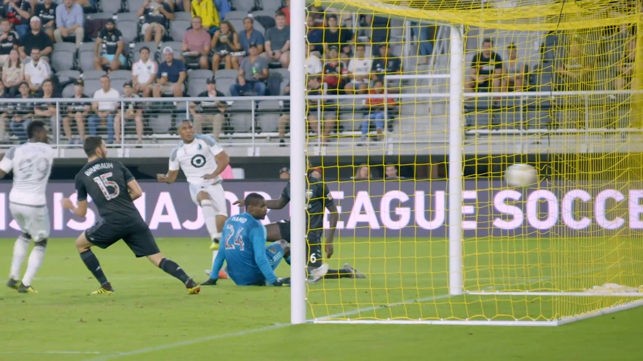 Angelo Rodriguez scores a goal against D.C. United