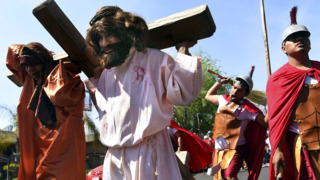 The day Jesus was crucified on display in Calwa streets for Good Friday