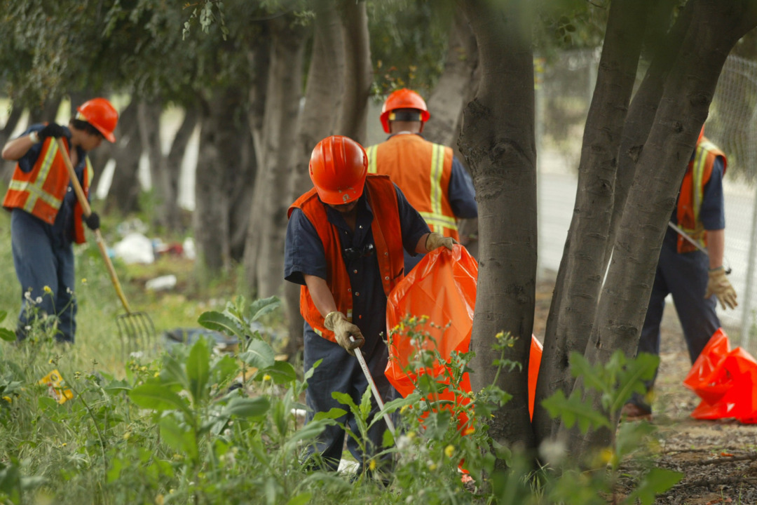 Fresno wants inmates to clean highways. But who pays for it when they get hurt?
