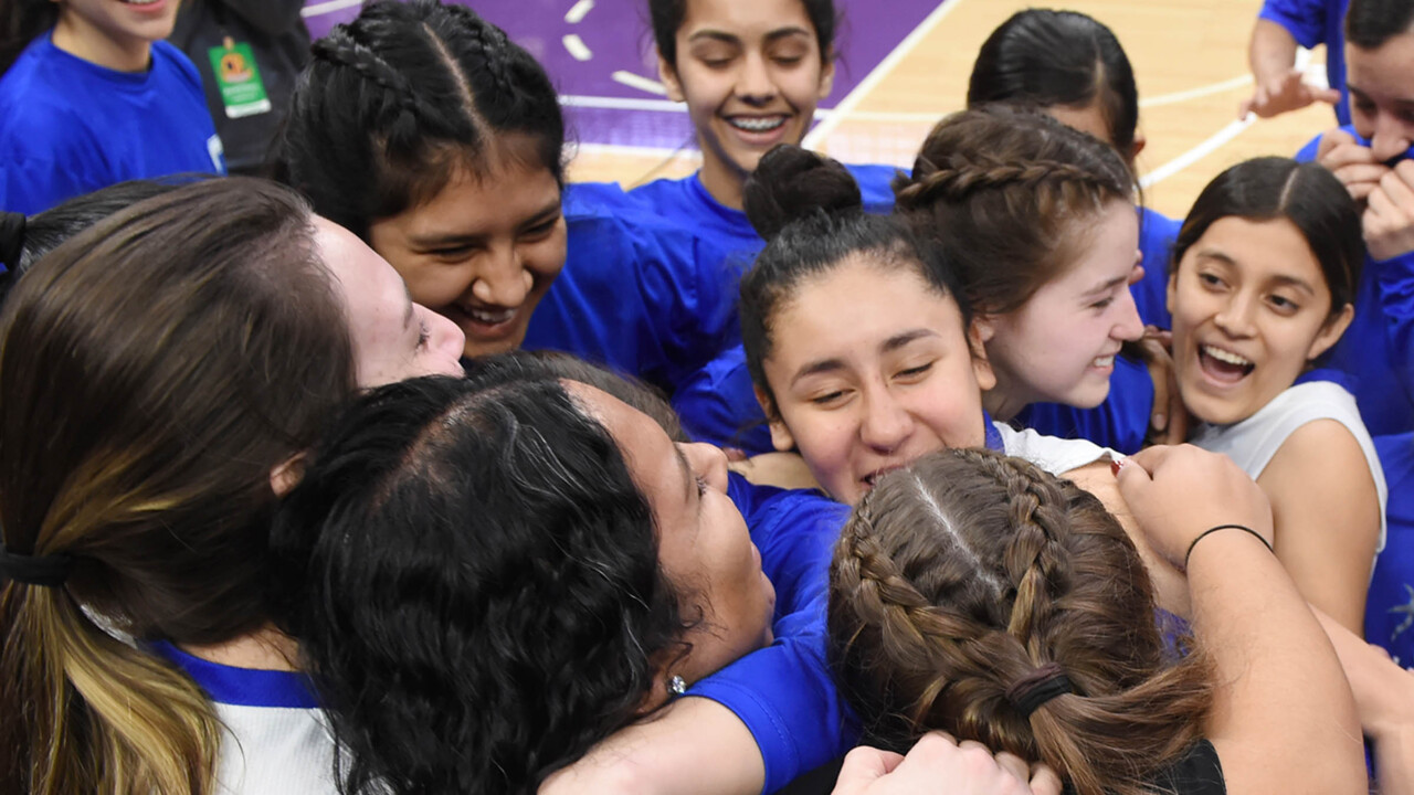 Caruthers girls wrap up school's first state championship in runaway fashion