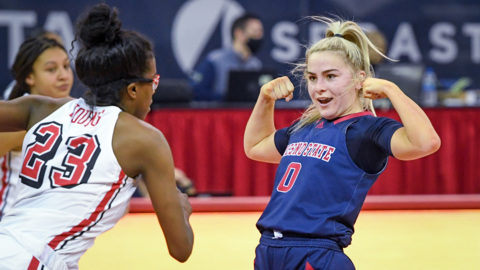 Cavinder twins combine for 52 against UNLV, but Fresno State still loses
