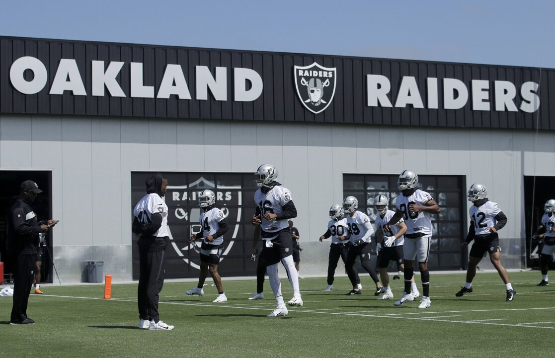 Training camp standout: Here's why some Raiders are calling Johnathan Abram a 'bulldog'