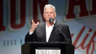 'Your state's in trouble,' evangelist Franklin Graham tells Christians in Fresno