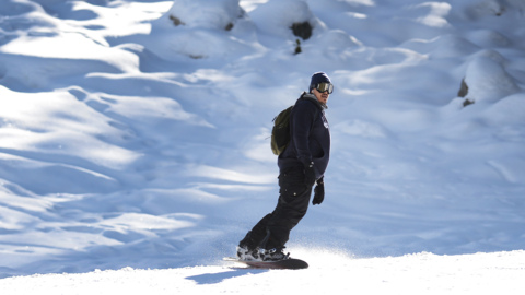 Skiers, snowboarders celebrate early season at China Peak. White Christmas possible