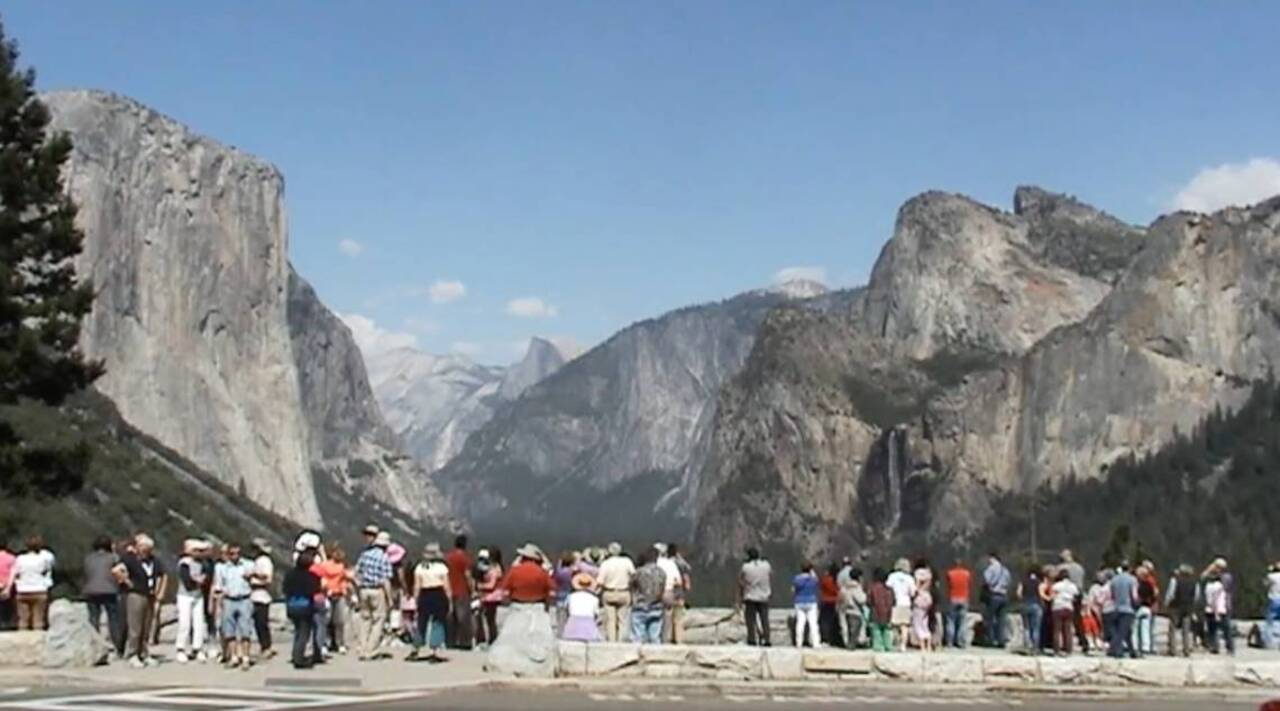Yosemite tourist dollars rule 'gateway' economy