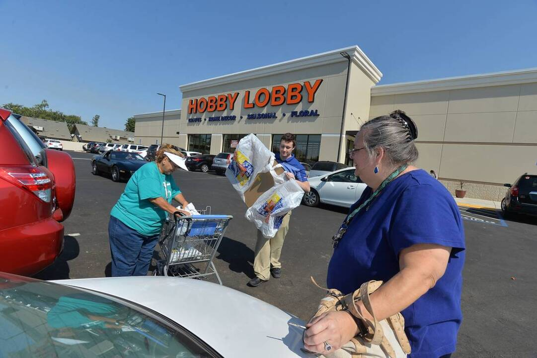 Hobby Lobby store opens to large crowds in Fresno | The Fresno Bee