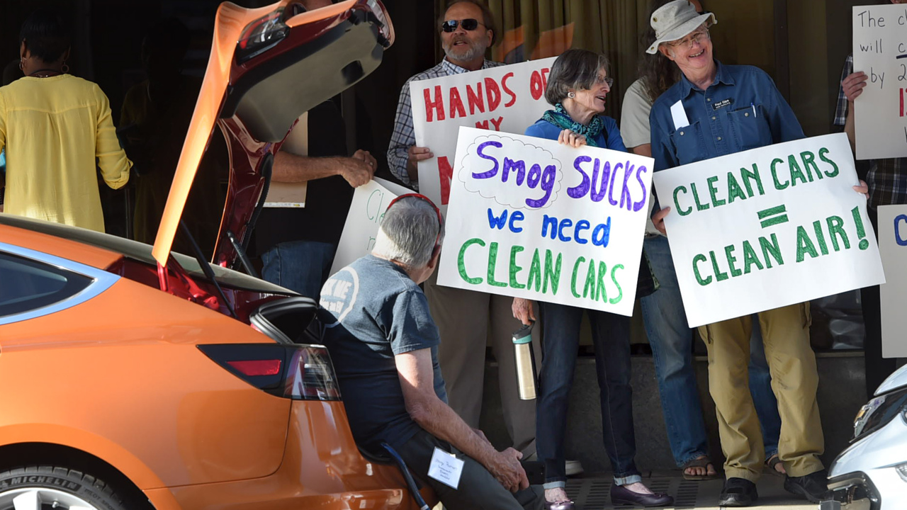 Clean car battle + Likely 2020 voters + Newsom's vaccine misstep