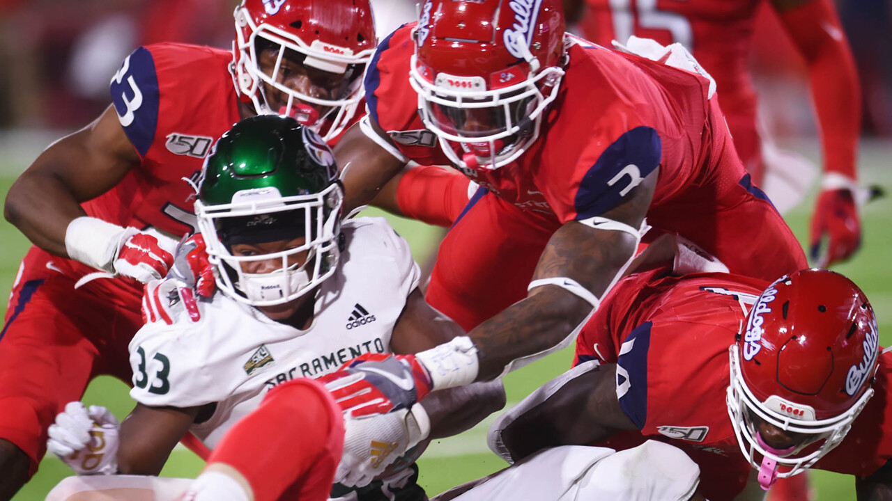 Fresno State gets on winning track behind Hokit's runs, turnover-free play from QB Reyna