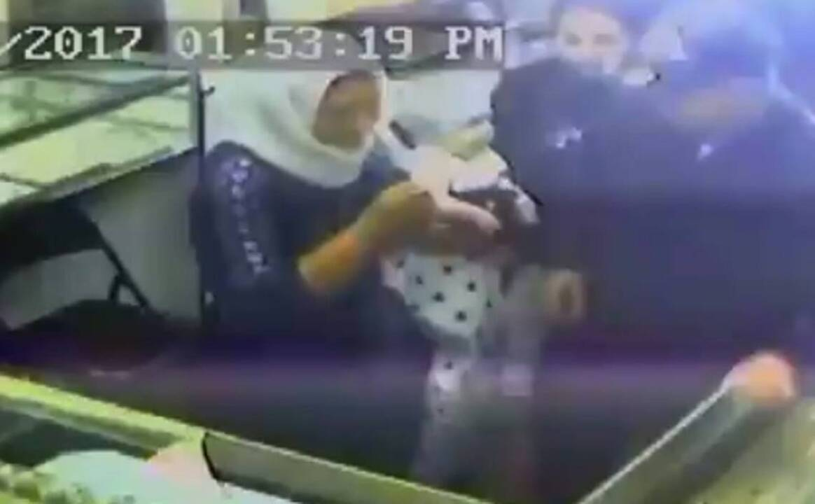 Fresno jewelry store robbed the fresno bee for Best jewelry stores in fresno ca