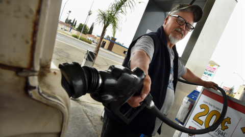 Gas prices rise above $4 per gallon in Fresno. Who, what is to blame?