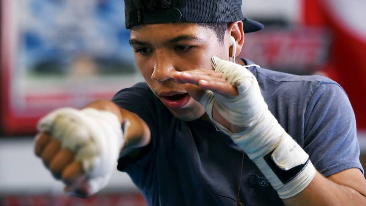 McLane High freshman makes pro boxing debut at 15. Isn't that a little young?  | The Fresno Bee