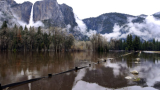 Flooded Merced River closes Yosemite Valley