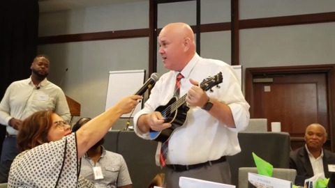 Watch Fresno school superintendent brag about his district while playing a ukulele