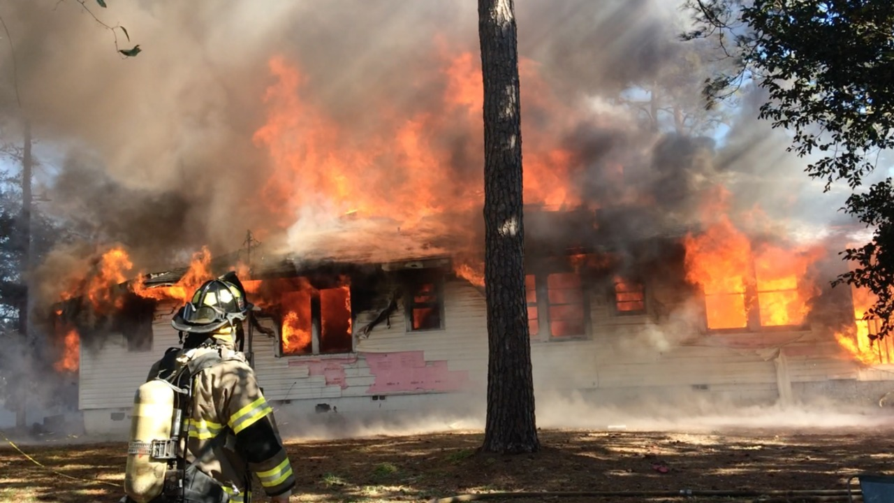 NC man set mobile home on fire after argument with his mother, deputies say