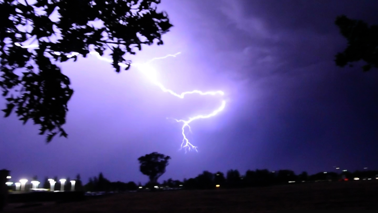 Lightning, rain intensifies while striking central San Joaquin Valley skies