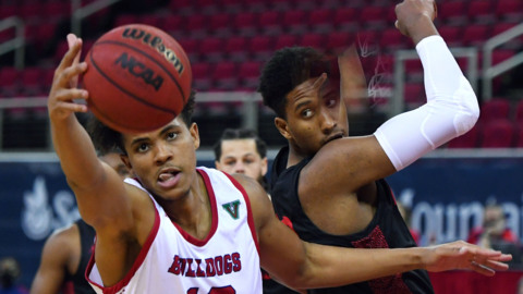 Fresno State men's basketball team had a double-digit lead on No. 25 San Diego State. See how it evaporated