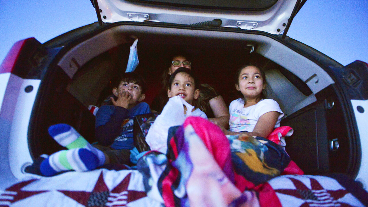 Drive In Theater Kicks Off Its Summer Season In Madera Ca The Fresno Bee