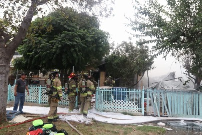 Large house fire kills pets, displaces family in southeast Fresno
