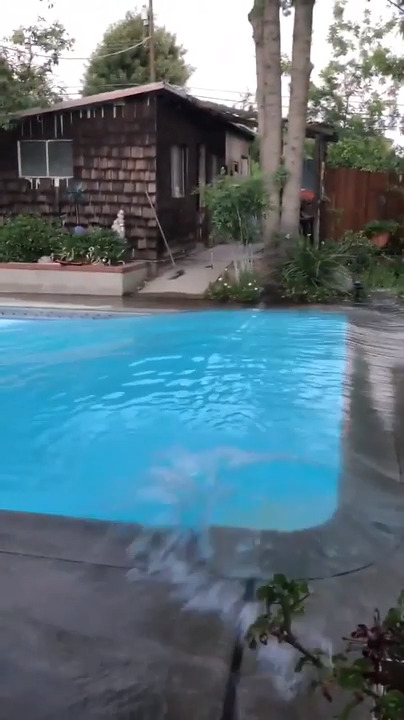 6.9 earthquake: Water sways out of Bakersfield swimming pool | The ...