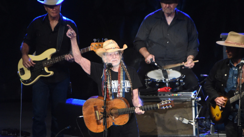 Missed Willie Nelson at the fair? You can see him in Bakersfield, Stockton in 2020