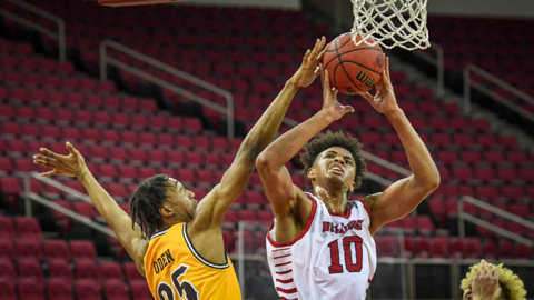 Fresno State gets record performance from Orlando Robinson against Wyoming