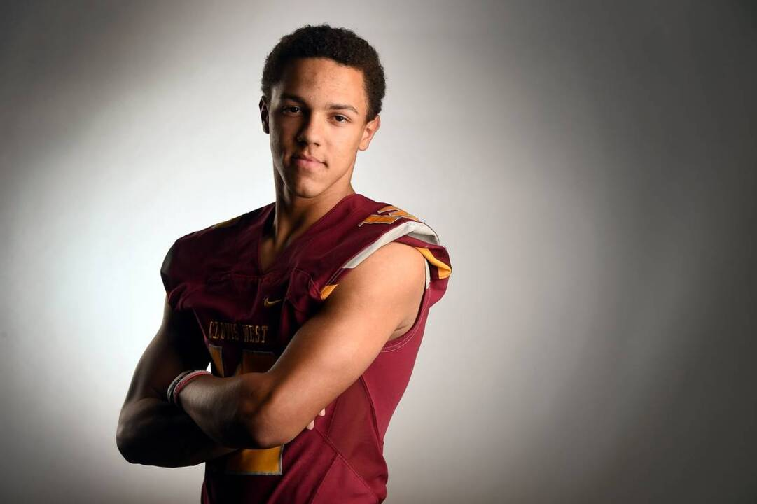 Catch him if you can: Bee Football Player of the Year Adrian Martinez