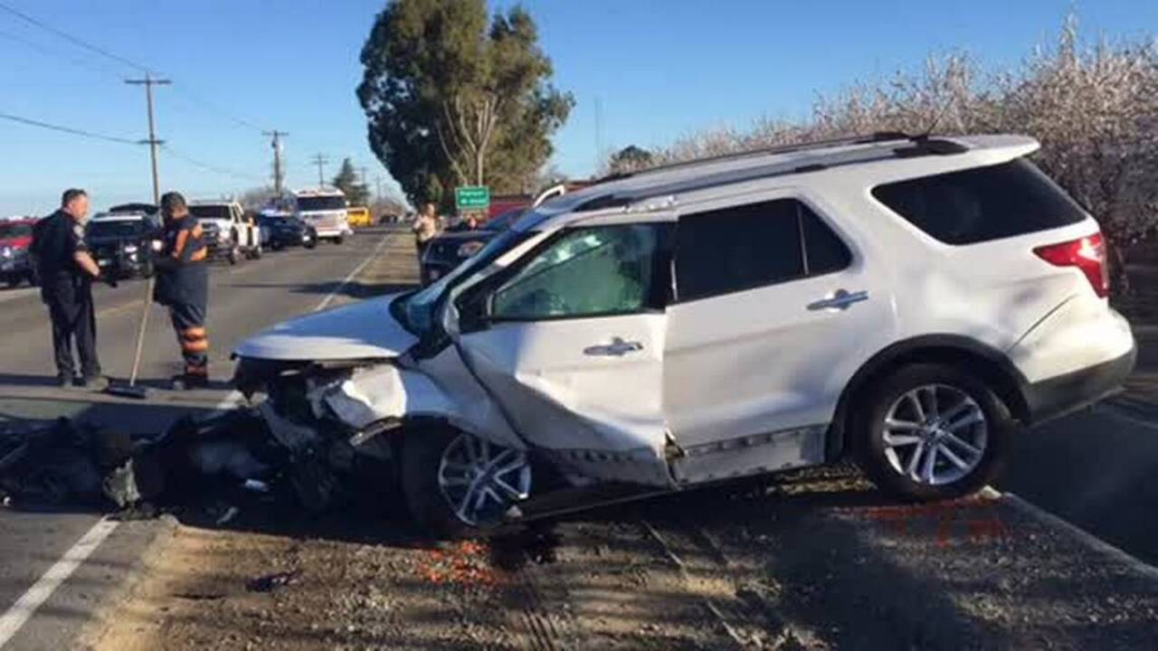 Four injured in crash near Los Banos | Raleigh News & Observer