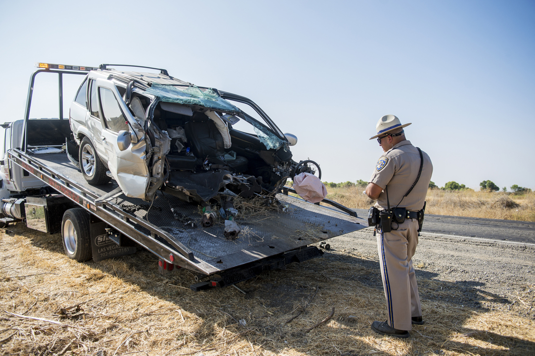 Woman suffers major injuries in truck crash near Los Banos | Merced