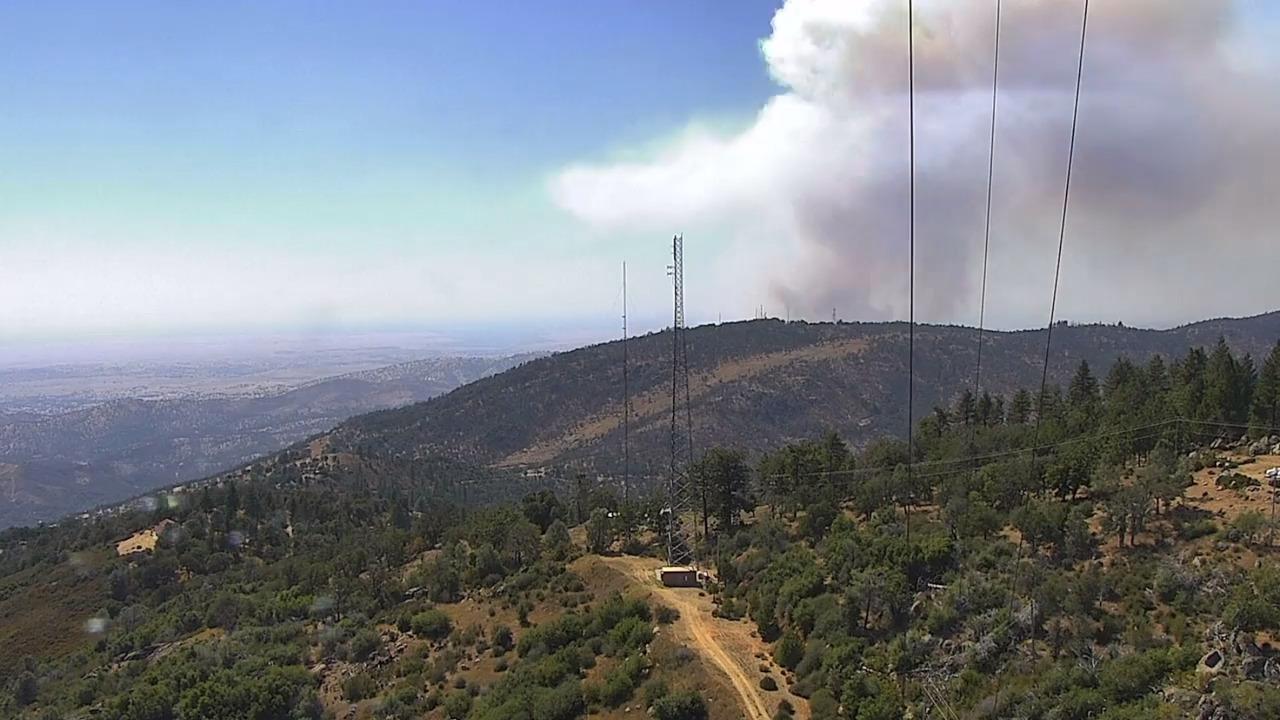 Firefighters battling 1,300-acre fire — second large Mariposa County blaze in 24 hours