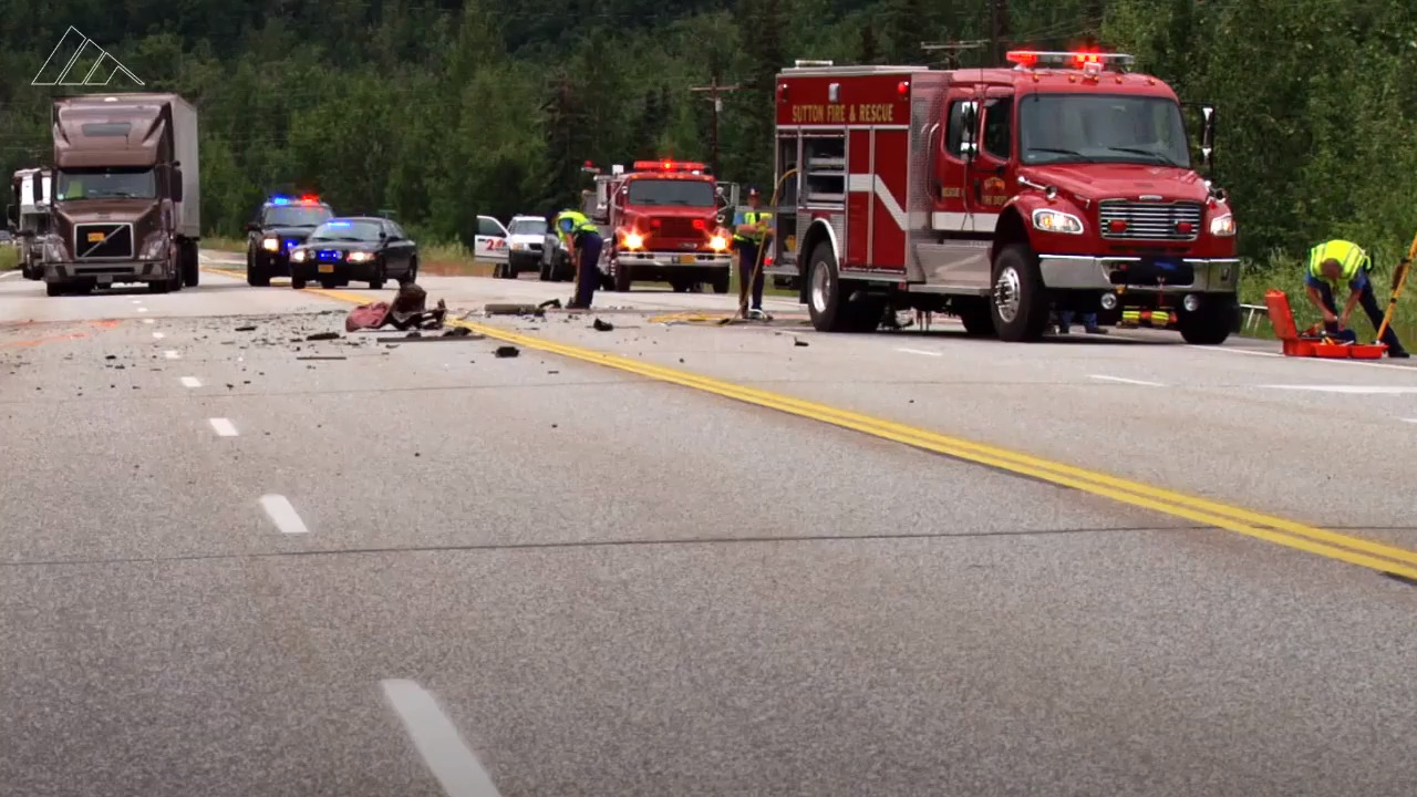 One person killed in crash on Highway 152