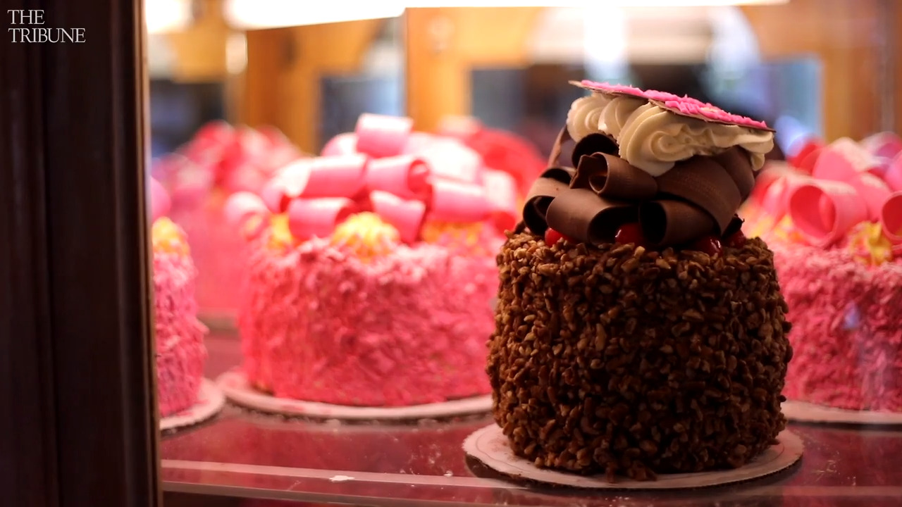 Coronavirus forces some SLO County hotels to close, but at least we still have pink cake